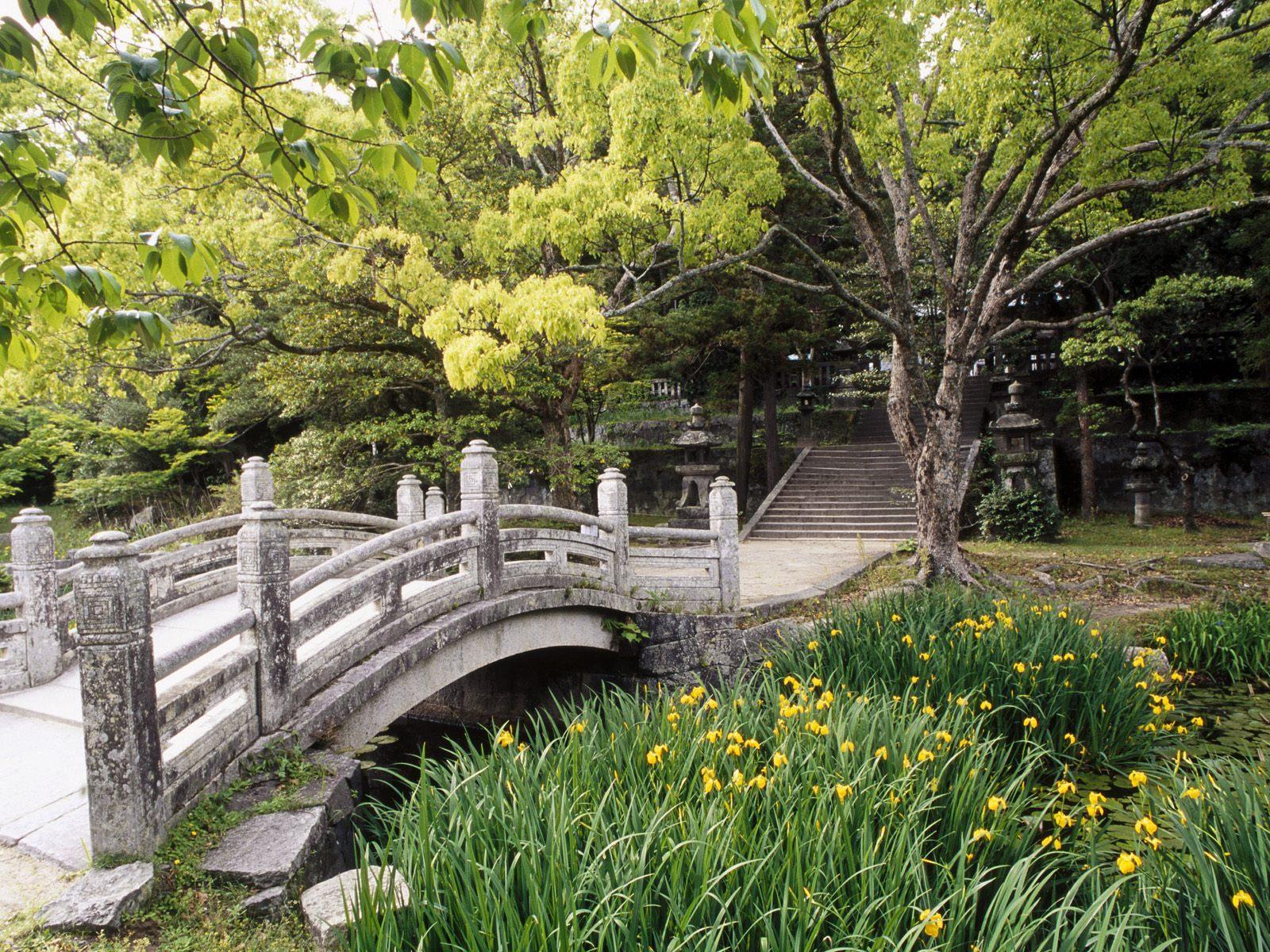 Hagi_Castle_Garden_Western_Honshu_Japan.jpg